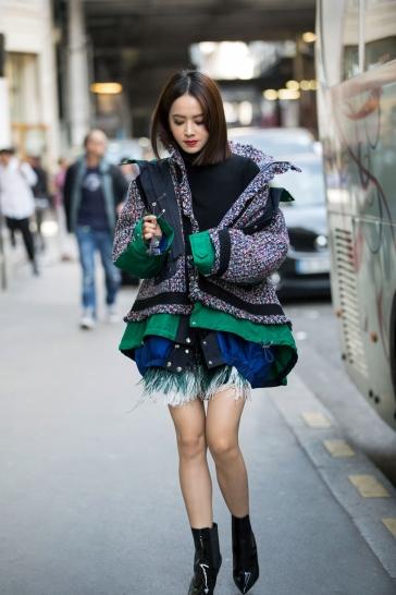 Jolin Tsai in No. 21 Pre-Fall 2017 & Sacai Fall 2017-2