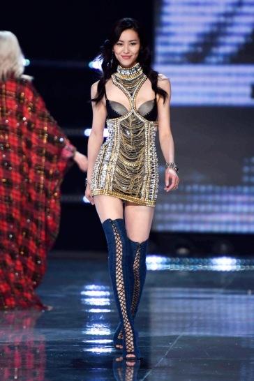 Liu Wen for 2017 Victoria's Secret Fashion Show-2