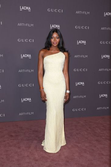 Naomi Campbell in Atelier Versace-2