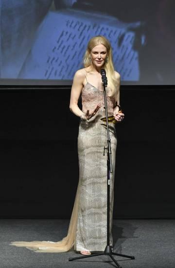 Nicole Kidman in Ermanno Scervino Spring 2018-1