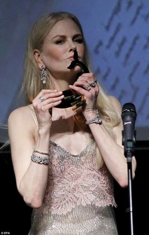 Nicole Kidman in Ermanno Scervino Spring 2018-3