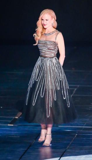 Nicole Kidman in Oscar de la Renta Spring 2018-1