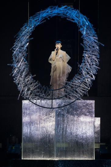 Sandy Lam in Iris van Herpen Fall 2017 Couture-1
