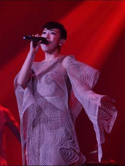 Sandy Lam in Iris van Herpen Fall 2017 Couture-6