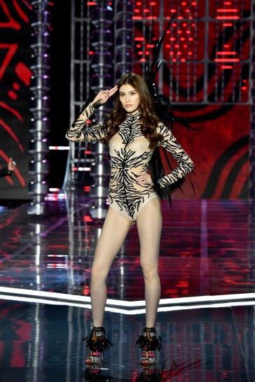 Sui He for 2017 Victoria's Secret Fashion Show-2