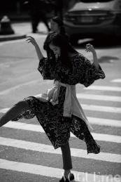 Yang Mi & Chiara Ferragni Vogue Me December 2017-2