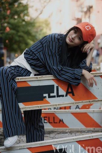 Yang Mi & Chiara Ferragni Vogue Me December 2017-7