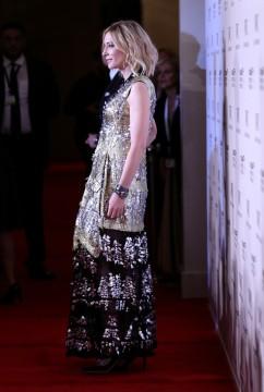 Cate Blanchett in Louis Vuitton Resort 2018-4