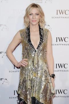 Cate Blanchett in Louis Vuitton Resort 2018-5