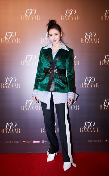 Crystal Zhang in Louis Vuitton Resort 2018-1