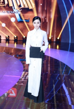 fan-bingbing-in-ellery-spring-2018-1
