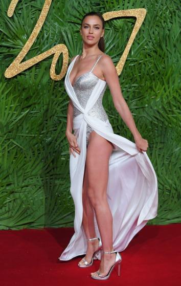 Irina Shayk in Atelier Versace-4