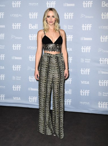 jennifer-lawrence-in-sally-lapointe-resort-2018-1