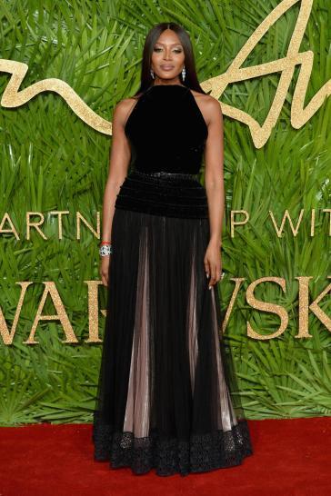 Naomi Campbell in Azzedine Alaïa Fall 2017-3