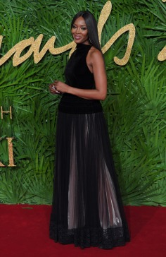 Naomi Campbell in Azzedine Alaïa Fall 2017-4