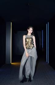 Ou Yang Nana in Vera Wang Fall 2017