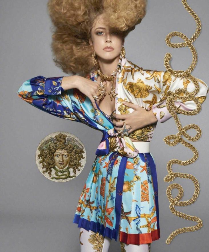 Versace Spring 2018 Campaign-12