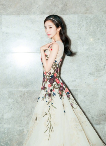Yang Mi in Georges Hobeika Fall 2017 Couture-1