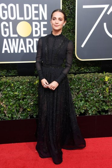 Alicia Vikander in Louis Vuitton-1