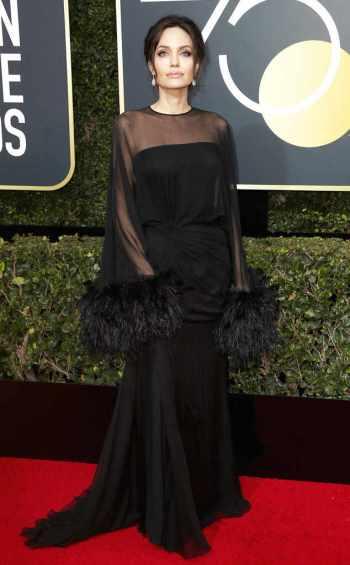 Angelina Jolie in Atelier Versace-1