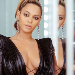 Beyonce in Ralph & Russo Spring 2018-5