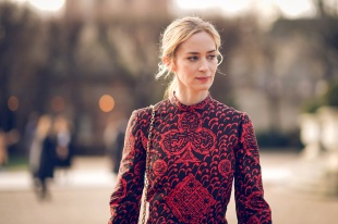 Emily Blunt in Dior Pre-Fall 2018-7