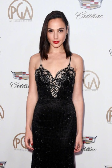 Gal Gadot in Armani Prive-1