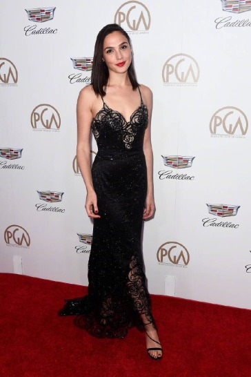 Gal Gadot in Armani Prive-2