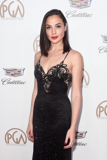 Gal Gadot in Armani Prive-4