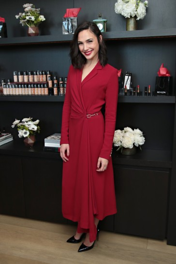 Gal Gadot in Gabriela Hearst Resort 2018-3