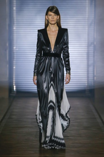 Givenchy Spring 2018 Couture Look 38
