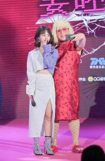 Jolin Tsai in Off-White Resort 2018-9