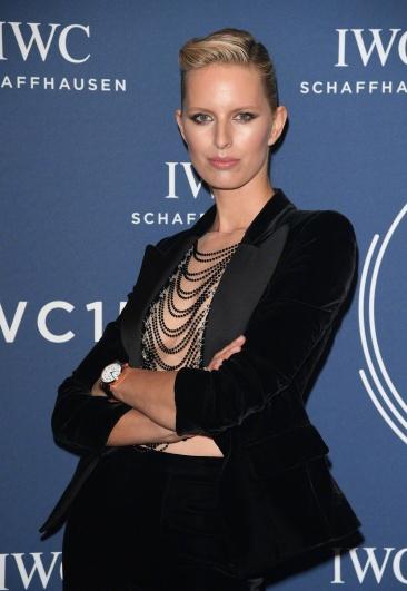 Karolina Kurkova in Oscar de la Renta Fall 2017-2
