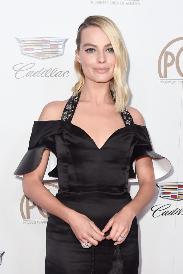 Margot Robbie in Louis Vuitton-1