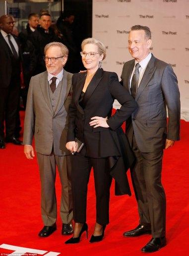 Meryl Streep in Alexander McQueen Pre-Fall 2017-6