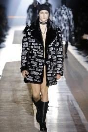 Moschino Fall 2018 Menswear Look 22