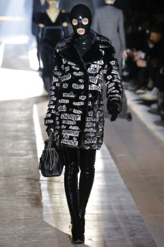 Moschino Fall 2018 Menswear Look 32