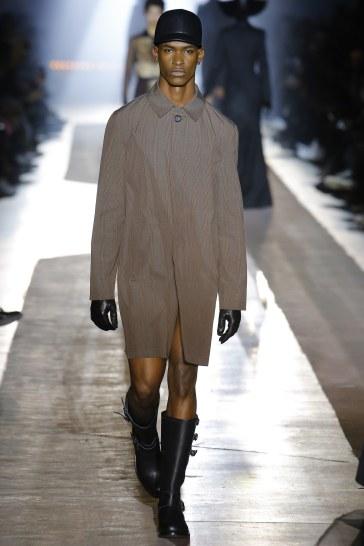 Moschino Fall 2018 Menswear Look 39