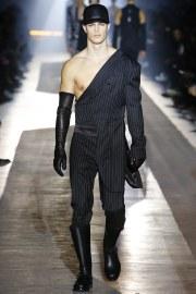 Moschino Fall 2018 Menswear Look 4