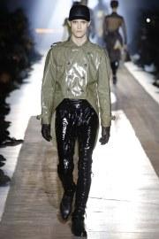 Moschino Fall 2018 Menswear Look 42