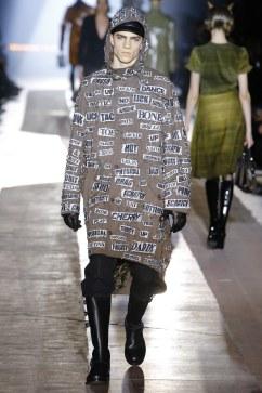 Moschino Fall 2018 Menswear Look 44