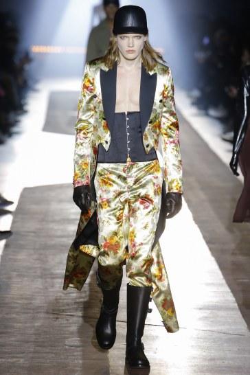Moschino Fall 2018 Menswear Look 52