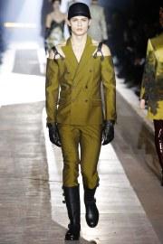 Moschino Fall 2018 Menswear Look 63