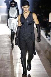 Moschino Fall 2018 Menswear Look 76