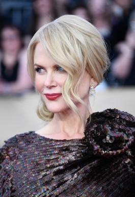 Nicole Kidman in Armani Privé Fall 2010 Couture-1