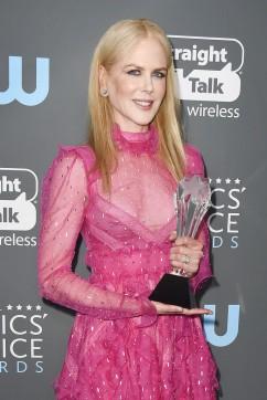 Nicole Kidman in Valentino-3