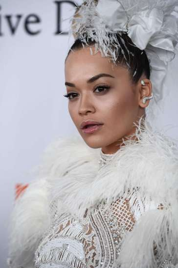 Rita Ora in Zuhair Murad Fall 2017 Couture-1