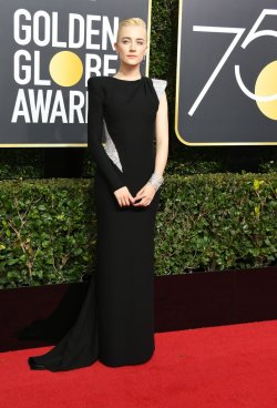 Saoirse Ronan in Atelier Versace-2