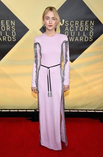 Saoirse Ronan inLouis Vuitton-3