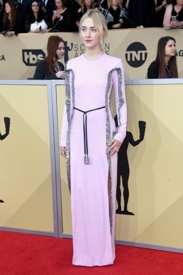 Saoirse Ronan inLouis Vuitton-4